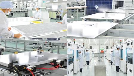 Hình: nhà máy sản xuất tấm pin năng lượng mặt trời.