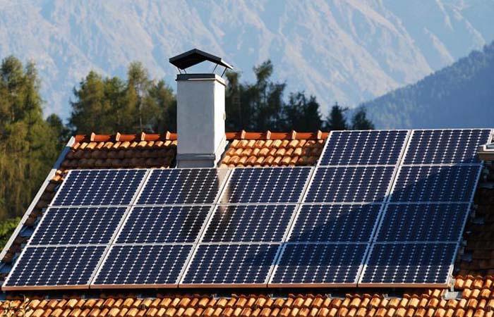 Bóng che pin mặt trời sẽ khiến hệ thống giảm năng suất (Ảnh internet)