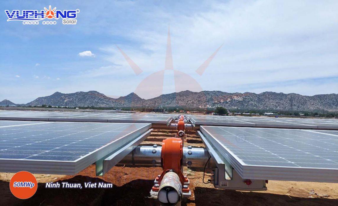 adani-solar-power-plant-ninh-thuan-province-4